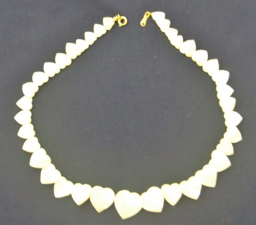 Avon Pearl Hearts Necklace