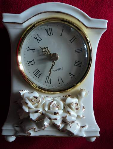 Avon Winter Rose Clock