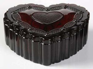 Avon 1876 Cape Cod Glass Heart Box