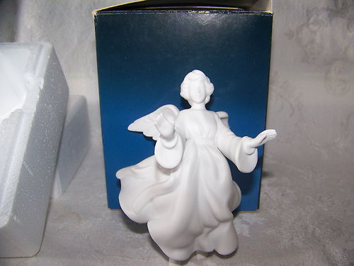 Avon Nativity Flying Angel